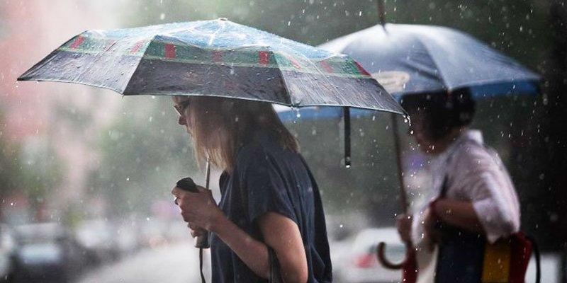Сьогодні у більшості регіонів дощі з грозами, за винятком деяких східних областей