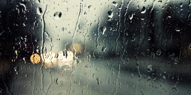У четвер в Україні збережеться спекотна погода з дощами