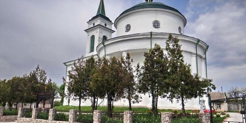 На Київщині від удару блискавки загорілася церква Московського патріархату