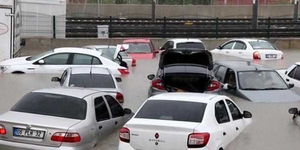 Зливи затопили Анкару, є жертви