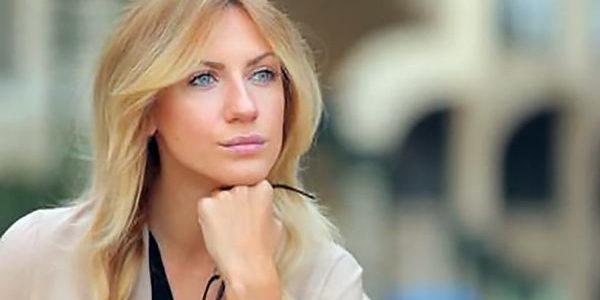 Леся Нікітюк похвалилася перешитою маминою сукнею 34-річної давності