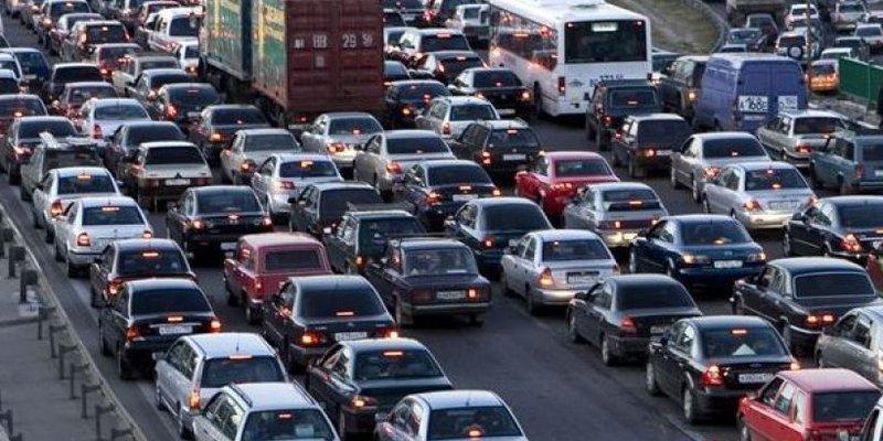 Кияни проводять у заторах більше часу, ніж мешканці Нью-Йорка і Токіо