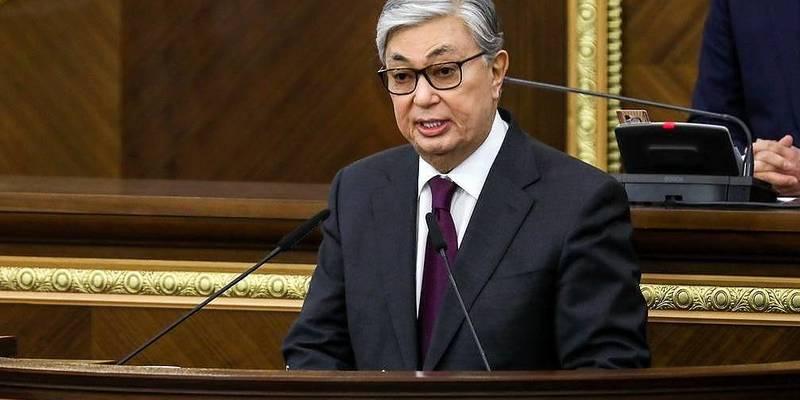 В Казахстані новообраний президент склав присягу