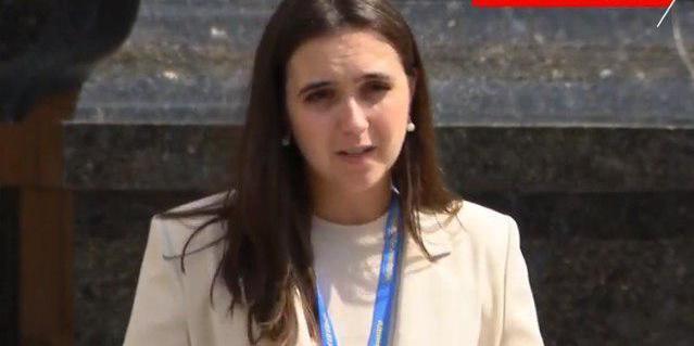 «Ну, це ж не генерал»: Мендель виправдала надання звання другу Зеленського