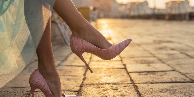 Уляна Супрун відрадила жінок від тривалого носіння підборів