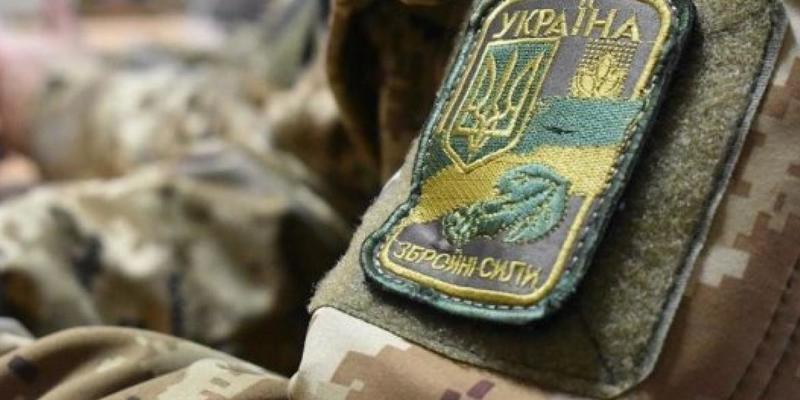 У Києві працівники військкоматів просто на вулиці забирали чоловіків призовного віку (відео)