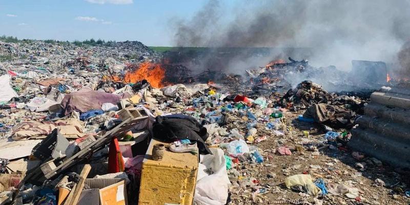 Під Миколаєвом загорівся полігон з відходами (фото)