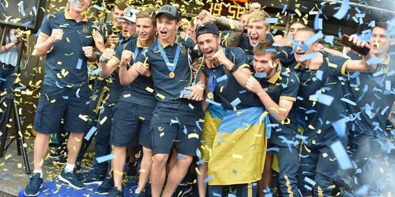 Чемпіонський тріумф української молодіжної футбольної збірної – втілена мрія усіх вболівальників, - Костюченко