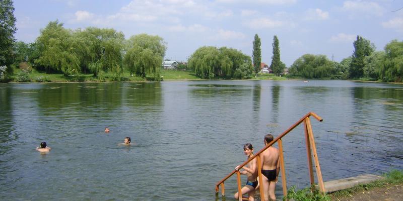 На Луганщині після купання масово отруїлись діти