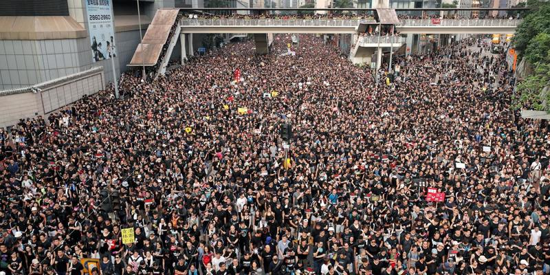 Організація 80 рівня: 9 вражаючих фото з протестів у Гонконгу (фото)