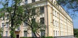 У Львові міністра освіти Гриневич не пустили до школи, де вона працювала вчителем біології