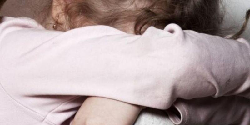 Українців закликають підписати петицію щодо захисту дітей від сексуального насильства
