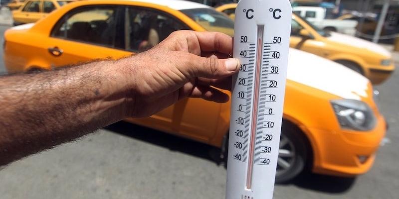Аномальна спека у Кувейті: гинуть люди, плавляться машини
