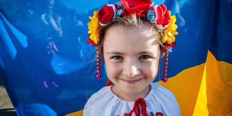 У Німеччині багато турків, але німці не переходять на турецьку мову, – мовознавець Іван Ющук