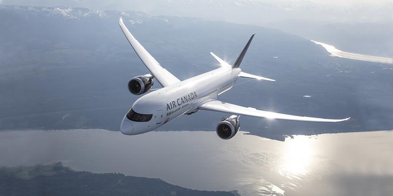 Пасажирка заснула в польоті та прокинулася на стоянці в закритому літаку