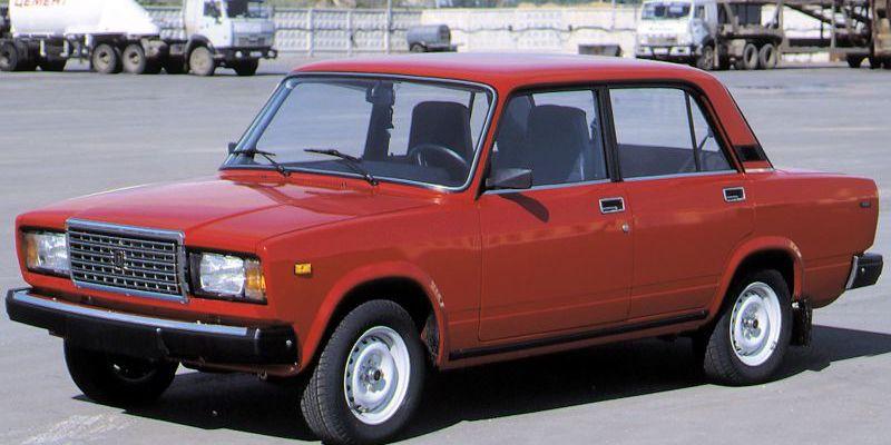 Кабмін заборонив імпорт автомобілів російського виробництва