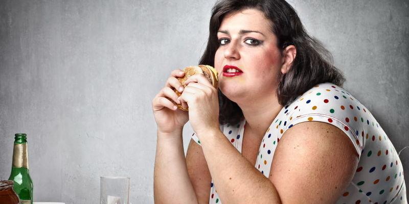 Зайві сантиметри на животі у жінок більш небезпечні аніж на ногах, — дослідження