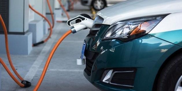 Половина машин у Норвегії їздить на електриці