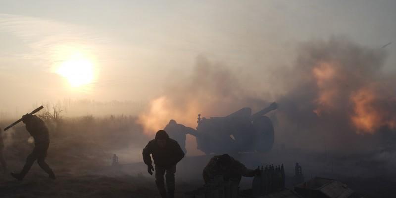 Снайпери, БМП та заборонені гранатомети: за добу бойовики 28 разів обстріляли позиції ООС