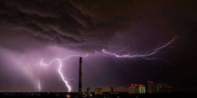 У шести областях України оголосили штормове попередження (карта)