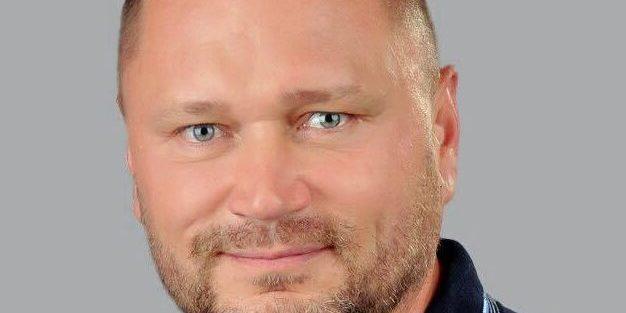 Кандидат по округу №182 Олексій Рибаков знявся з виборів на користь екс-мера Херсона Володимира Сальдо (відео)