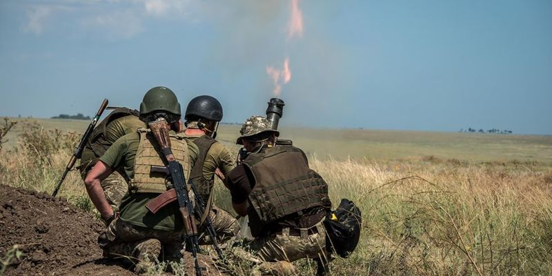 Окупанти 12 разів обстріляли Об'єднані сили: постраждали 5 бійців