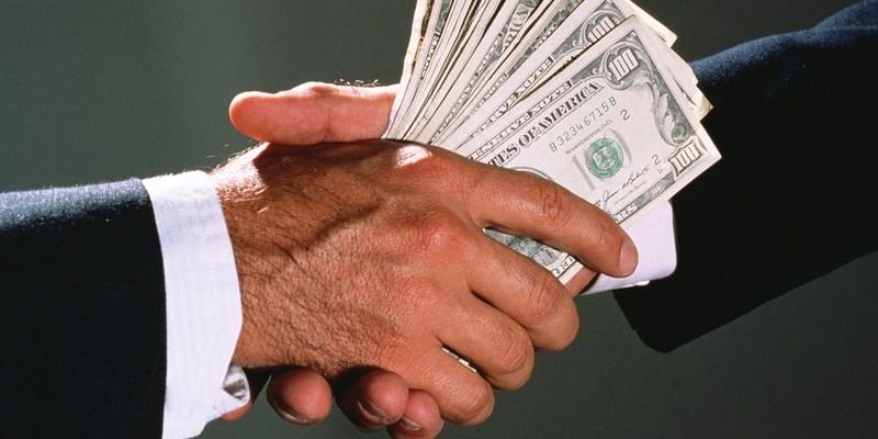 10 тисяч доларів за посаду: НАБУ затримали заступника голови Державної архівної служби під час отримання хабаря