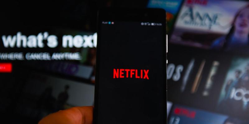 Netflix Hangouts: для Google випустили розширення, яке маскує перегляд серіалу на роботі