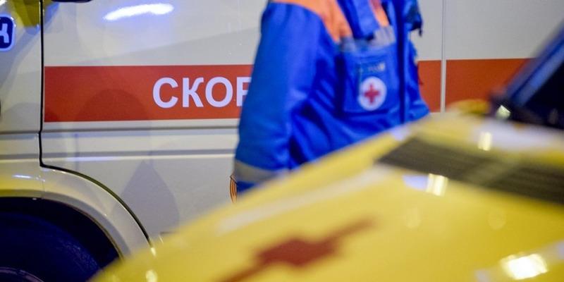 У Росії літак впав на приватний будинок