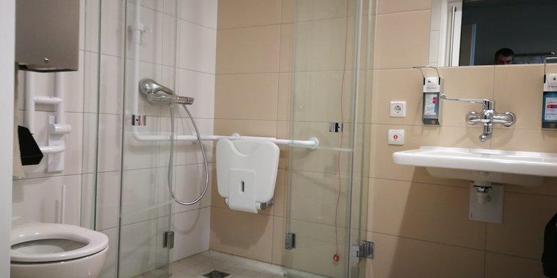 У кожній лікарняній палаті планують облаштовувати туалети та душові