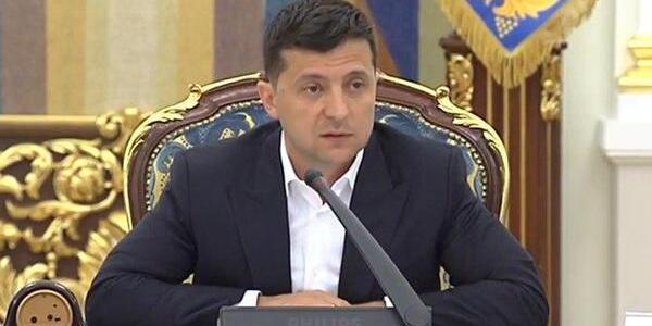«Концертний Укроборонпром»: Зеленський не зміг вимовити назву концерну (відео)