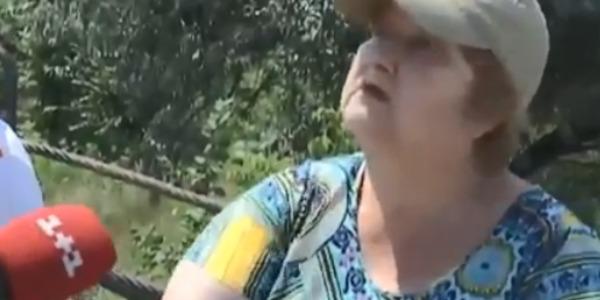 «Бидло українське!»: мешканки «ЛНР» нахабно вимагають відремонтувати міст