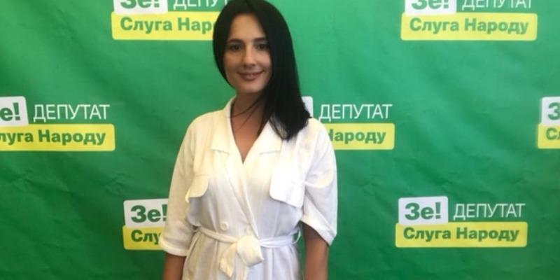 У Раду пройде дочка продюсера «Ліги сміху» з бізнесом у Криму