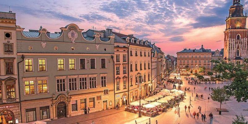 Стало відомо, скільки нерухомості українці придбали у Польщі минулого року