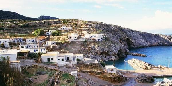Грецький острів пропонує житло і 18 тис. євро родинам, що на ньому оселяться
