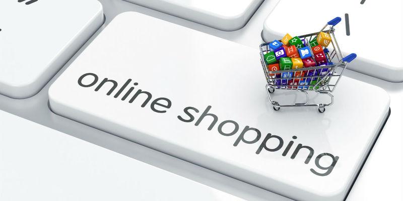 Кожен третій українець купує в інтернеті: скуповують техніку, одяг і косметику