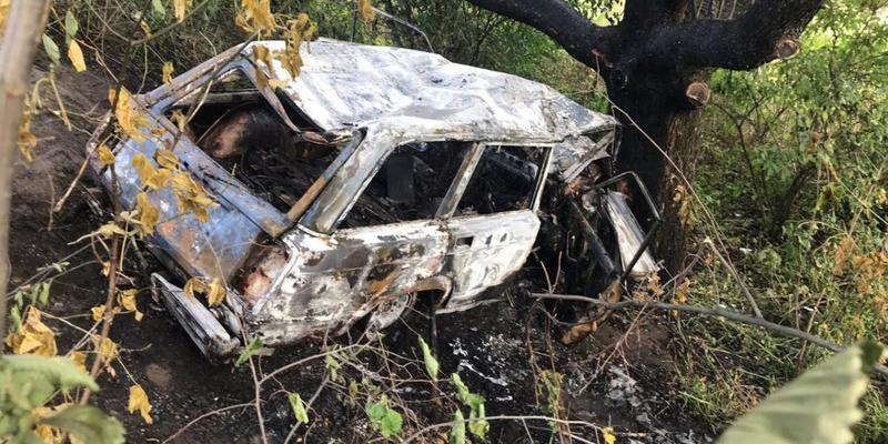 На Полтавщині водій ВАЗа згорів заживо в автомобілі після ДТП