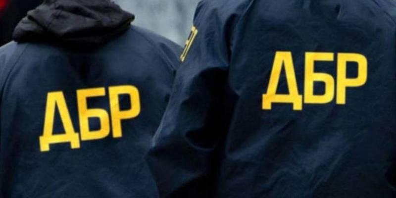 ДБР розслідує можливі незаконні дії прикордонників при оформленні поїздки Порошенка на Мальдіви