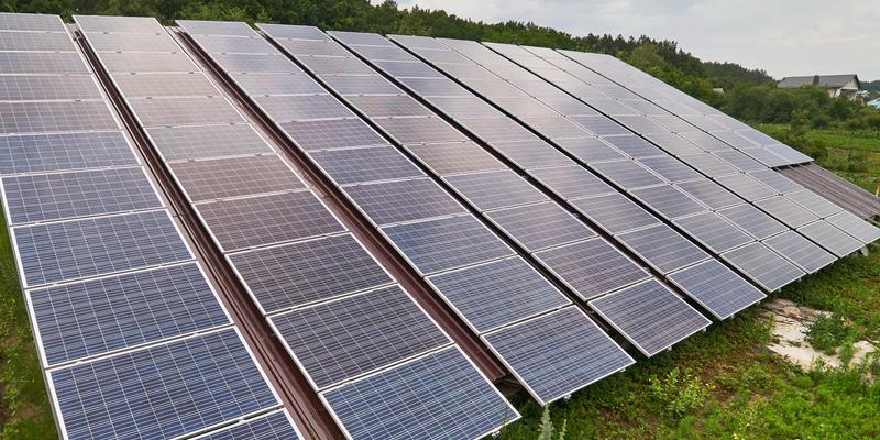Зеленський врегулював питання сонячних електростанцій домогосподарств