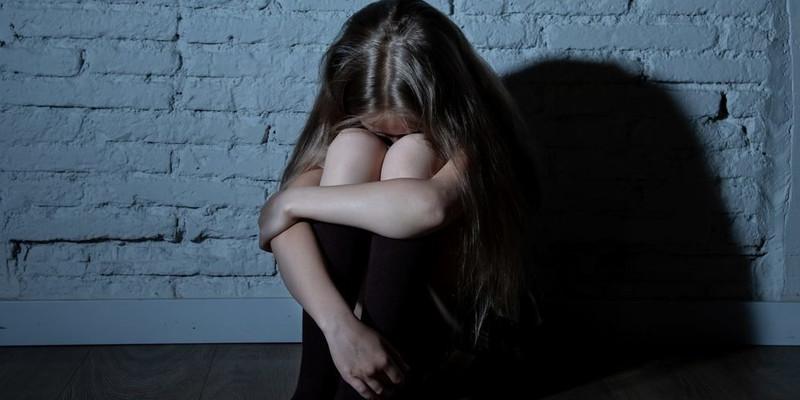 На Волині нетверезий батько зґвалтував 14-річну доньку