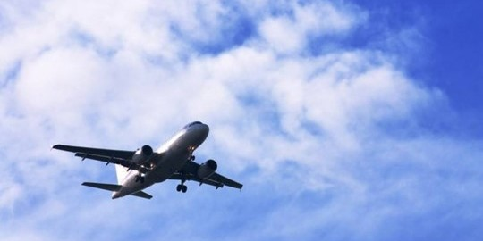 Україна пустила літак Росії у своє небо: у мережі скандал