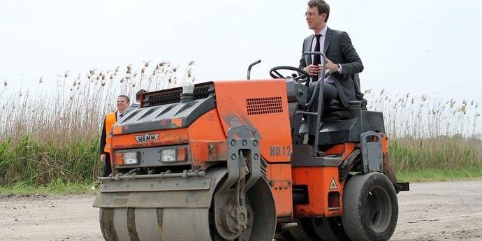 На ремонт усіх українських доріг треба 10 років і трильйон гривень — Омелян