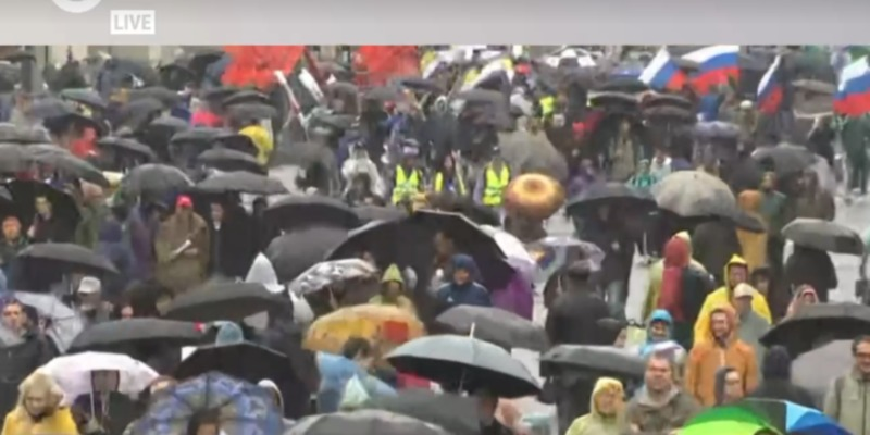 Акції протесту в Росії: Любов Соболь затримали в Москві, є затримані в Петербурзі