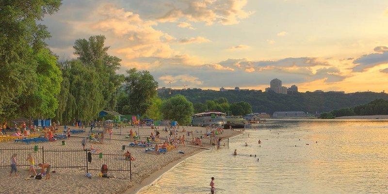 На жодному пляжі Києва не рекомендують купатися