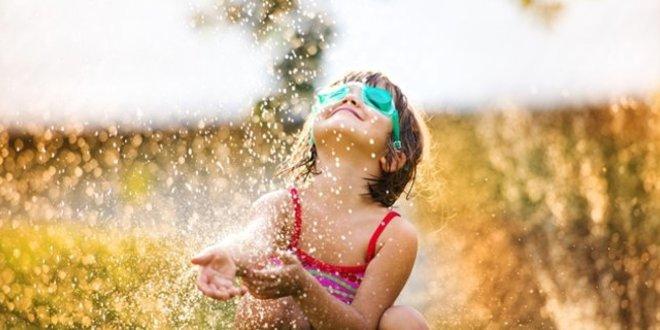 Погода: в Україні буде спекотно, на заході пройдуть дощі з грозами