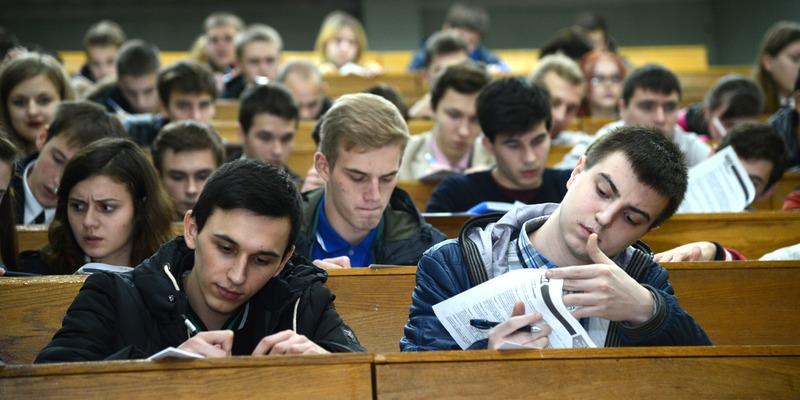Зарплати в Україні: як освіта впливає на рівень доходів