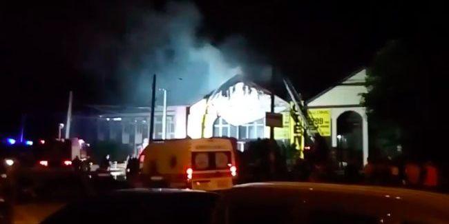 З'явилося відео з місця пожежі в готелі Одеси