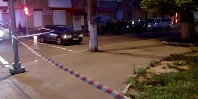У Чернігові біля пішохідного мосту розстріляли двох людей, підозрюваних затримали