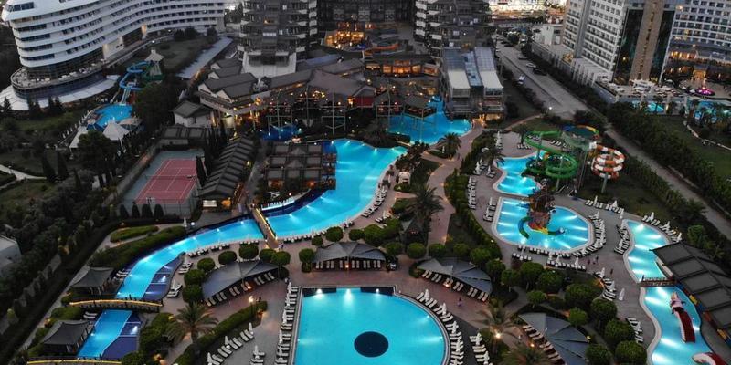 У турецькому готелі отруїлися туристи, є загиблі