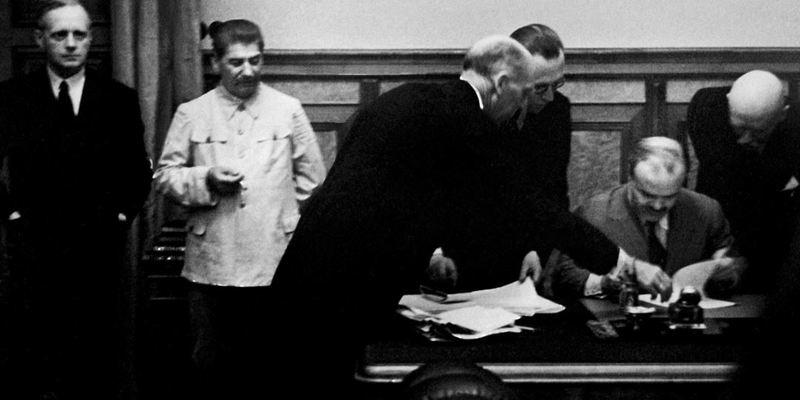 Цього дня 1939 року було підписано пакт Молотова-Ріббентропа
